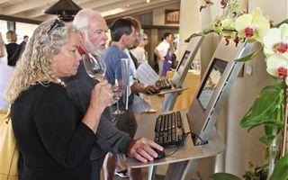 Auction - e-auction monitors