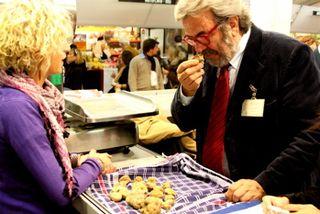 Truffles - judge and vendor at 350 dpi