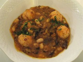 Centro - rabbit meatballs at 350 dpi