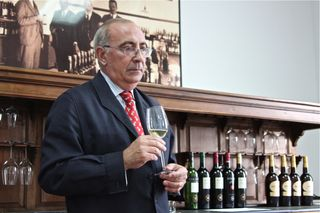 A - Jerez, Antonio Flores