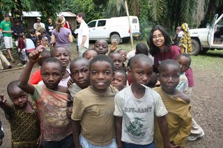 A -ask - group shot of African kids