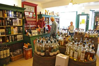 A - Scotland - Whisky Store interior