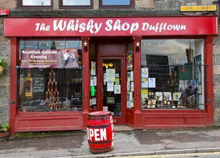 A - Scotland - Whisky Store exterior