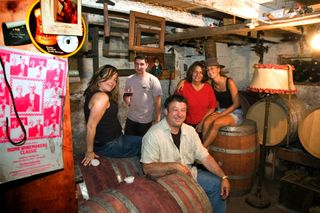 A - Tra Vigne - Charter Oak basement with family