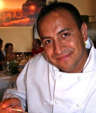 A - Market - Eduardo Martinez