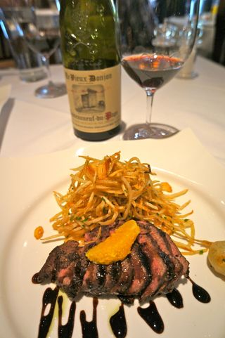 A - Donjon - Pepper-crusted filet