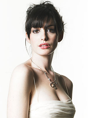 A - NVV - Anne Hathaway