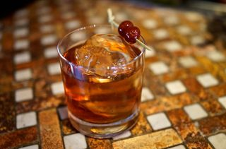 G&G - CU Manhattan on checked bar