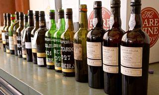 Bottles in diagonal line-up