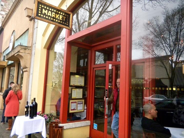 Exterior Market restaurant