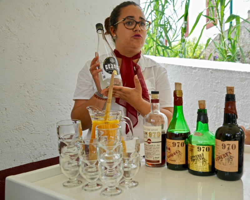 Isabel serving rum