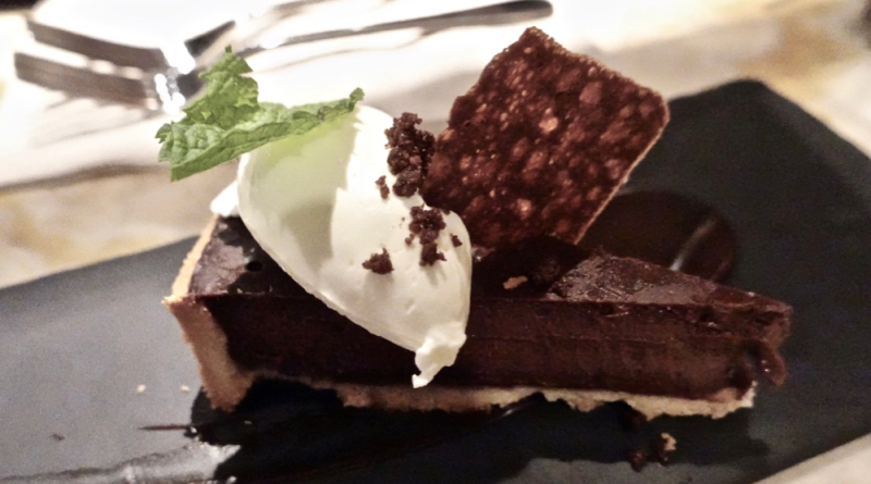 Bar Oso chocolate cake