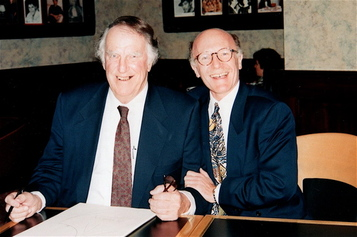 Hillary_sir_ed_draws_with_jim_1995