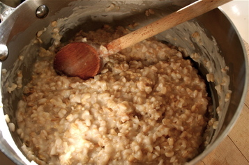Oats_cooking_in_pot