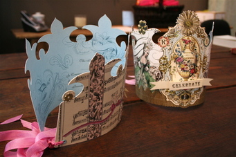 A_paper_crowns