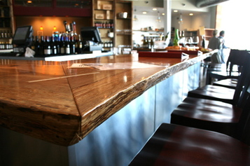 A_white_oak_bar