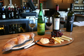 A_wine_cheese_paring